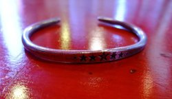"画像1: amp japan "" LET IT BE "" large star hammerd bangle -wide-"